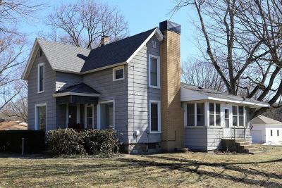 Paw Paw Single Family Home For Sale: 726 N Kalamazoo Street