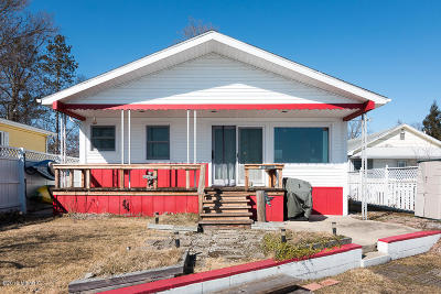 Paw Paw Single Family Home For Sale: 35217 51st St. Avenue