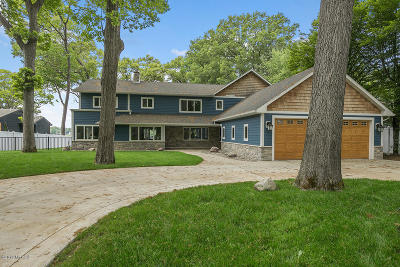 Muskegon County, Oceana County, Ottawa County Single Family Home For Sale: 812 Oakmere Place