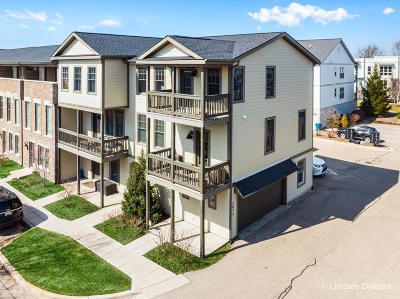 Grand Rapids Condo/Townhouse For Sale: 2072 Celadon Drive NE #95