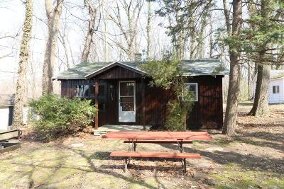 Dowagiac Condo/Townhouse For Sale: 67200 Oak Court #1