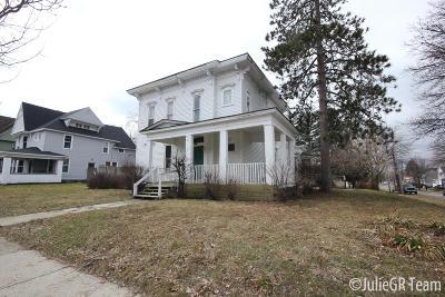 Grand Rapids Multi Family Home For Sale: 1139 Jefferson Avenue SE
