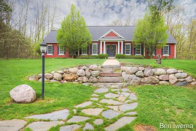 Ada Single Family Home For Sale: 8775 Bailey Drive NE