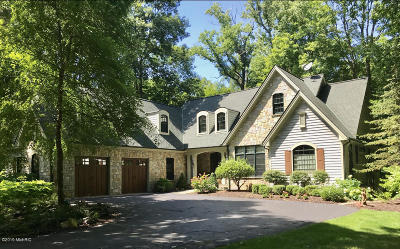 South Haven Single Family Home For Sale: 76540 13th Avenue