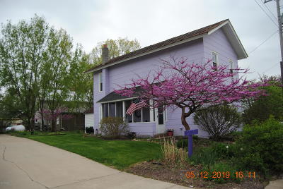 Hillsdale Single Family Home Active Contingent: 2713 Lilac Road