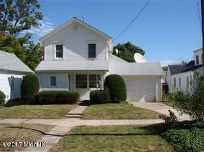 Big Rapids Single Family Home For Sale: 225 Winter