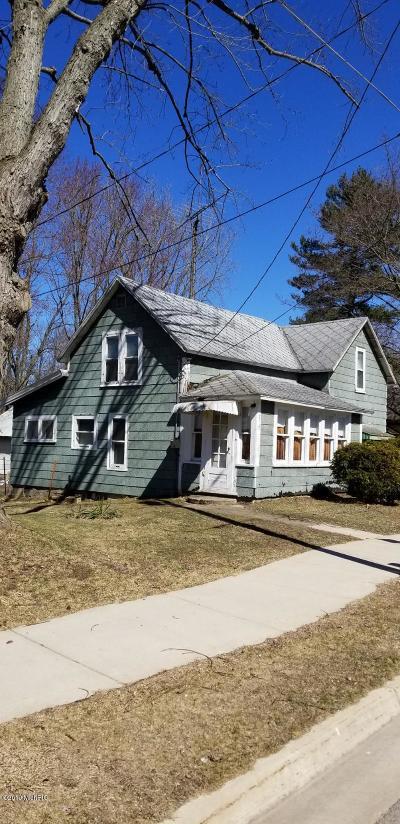 Coloma Single Family Home For Sale: 279 E Logan Street