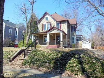 Union City Single Family Home For Sale: 112 Barry Street