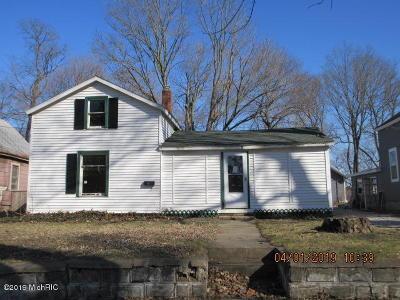 Allegan Single Family Home For Sale: 135 Bond Street