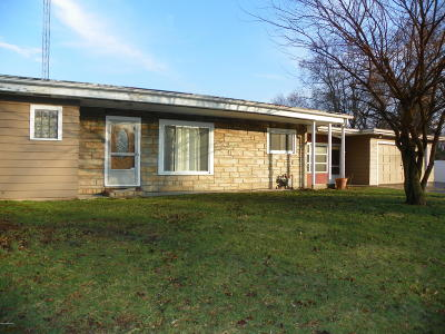 Coloma Single Family Home For Sale: 5023 Paw Paw Lake Road