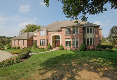 Portage Single Family Home For Sale: 7340 Oak Shore Drive