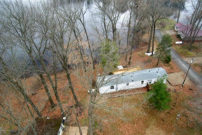 Delton Single Family Home For Sale: 8835 Chain O Lakes Drive
