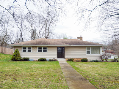Portage Single Family Home For Sale: 1510 Meadowbrook Lane