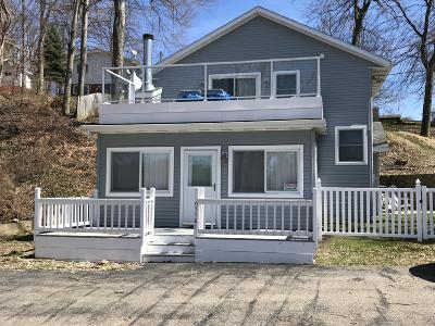 Lawrence Single Family Home For Sale: 63480 Shafer Lake Road