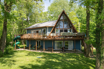 South Haven Single Family Home For Sale: 852 Lake Michigan Drive