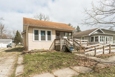Niles Single Family Home For Auction: 1417 Sheffield Avenue