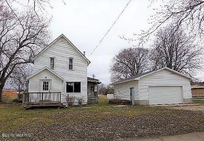 Scottville Single Family Home For Sale: 110 W Broadway Street