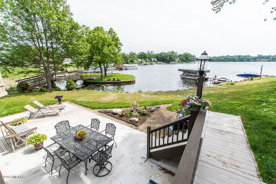Single Family Home For Sale: 241 Lakeshore Drive
