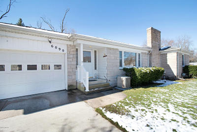 Kalamazoo Single Family Home For Sale: 6090 King Highway