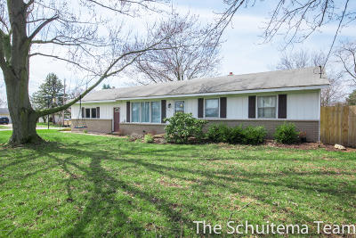 Single Family Home For Sale: 6835 Kay Boer Drive