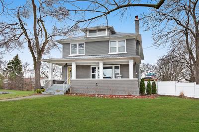 Grand Rapids Single Family Home For Sale: 2001 Ontonagon Avenue SE