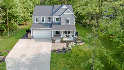 Grand Haven, Spring Lake Single Family Home For Sale: 16843 Cricket Court