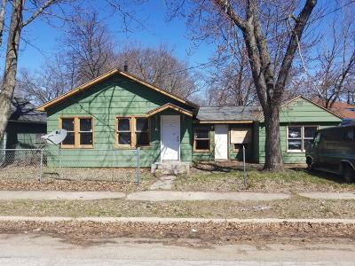 Muskegon Heights Single Family Home For Sale: 68 Rotterdam Avenue