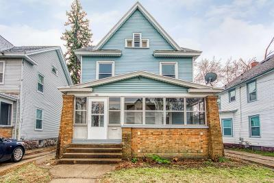 Grand Rapids Single Family Home For Sale: 1060 Bates Street SE