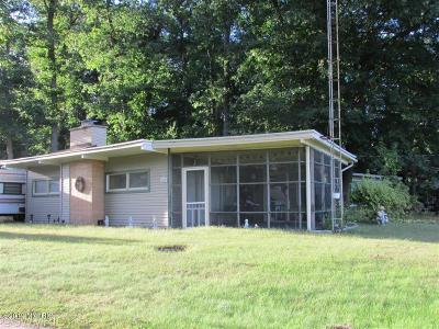 Hillsdale MI Single Family Home For Sale: $70,000