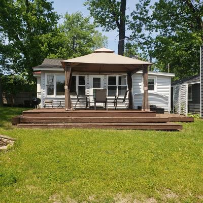 Paw Paw Single Family Home For Sale: 34471 Edgewater Drive