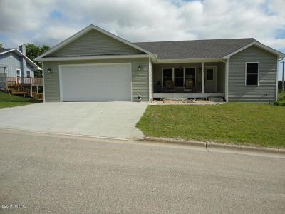 Hart Single Family Home For Sale: 213 Hilltop Drive
