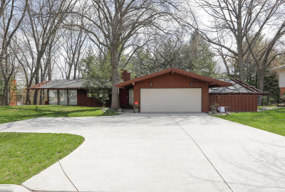 Kalamazoo Single Family Home For Sale: 2115 Aberdeen Drive