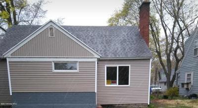 Benton Harbor Single Family Home For Sale: 952 Monroe Street