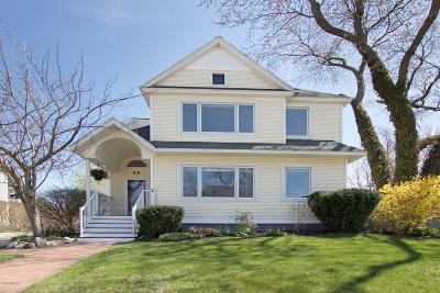 Zeeland Single Family Home For Sale: 43 Pine Street