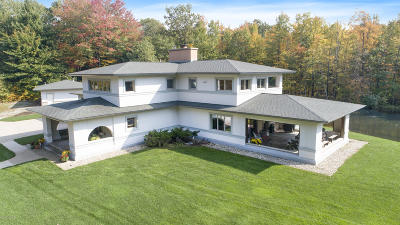 Grand Haven, Spring Lake, Ferrysburg Single Family Home For Sale: 16743 Bridlepath Drive