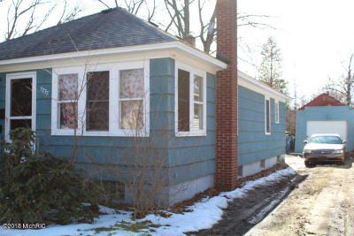 Muskegon Heights Single Family Home For Sale: 3237 6th Street