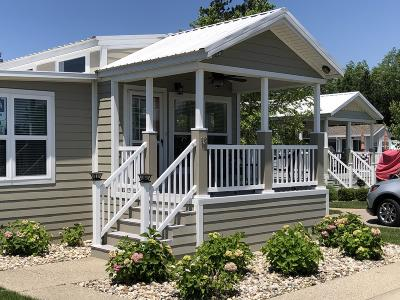 South Haven Single Family Home For Sale: 12 Midnight Pass