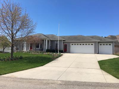 Zeeland Single Family Home For Sale: 2561 Marble Court