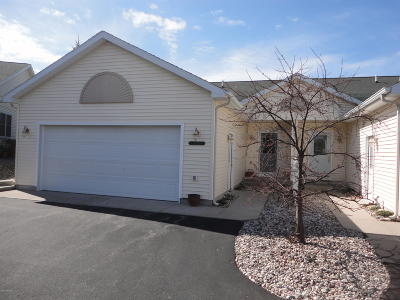 Benzie County, Charlevoix County, Clare County, Emmet County, Grand Traverse County, Kalkaska County, Lake County, Leelanau County, Manistee County, Mason County, Missaukee County, Osceola County, Roscommon County, Wexford County Condo/Townhouse For Sale: 1782 Pine Ridge Drive