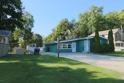 Cass County Single Family Home For Sale: 22437 Maple Row Street