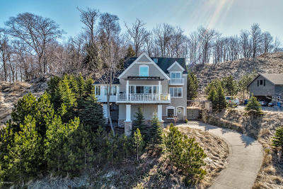 Grand Haven, Spring Lake Single Family Home For Sale: 19148 Maiden Lane