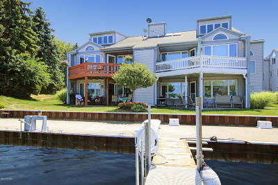 Saugatuck, Douglas Condo/Townhouse For Sale: 340 Mariners Court #B