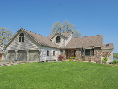 Berrien County, Branch County, Calhoun County, Cass County, Hillsdale County, Jackson County, Kalamazoo County, St. Joseph County, Van Buren County Single Family Home For Sale: 22674 Williams Landing Road
