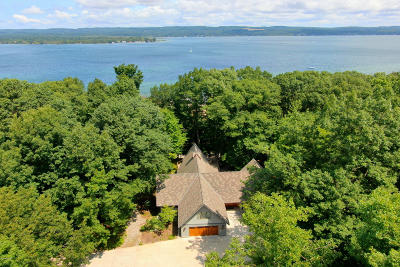 Benzie County, Charlevoix County, Clare County, Emmet County, Grand Traverse County, Kalkaska County, Lake County, Leelanau County, Manistee County, Mason County, Missaukee County, Osceola County, Roscommon County, Wexford County Single Family Home For Sale: 2739 Crescent Beach Road