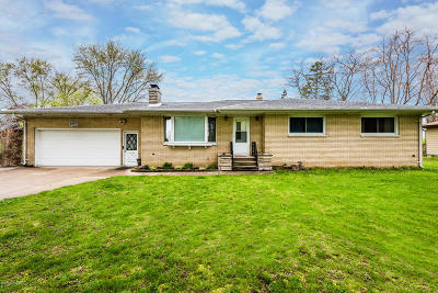 Benton Harbor Single Family Home For Sale: 2554 Woodley Drive