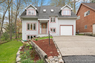 Wayland Single Family Home For Sale: 2610 Cork Street