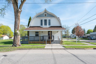 Evart Single Family Home For Sale: 502 W 5th Street