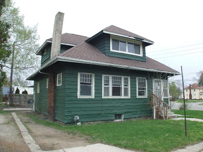 Jackson County Single Family Home For Auction: 100 Francis Court