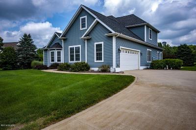Single Family Home For Sale: 21 Longmeadow Drive