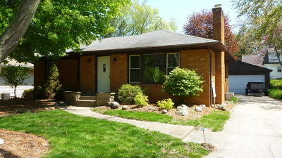 Single Family Home For Sale: 1004 Westmoor Drive NW